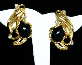Barrera Onyx Black & Goldtone Earrings - Jose Maria Clip on Earrings - Flower Earrings w Long Leaves - Large Size Retro 1980s 1990s earrings