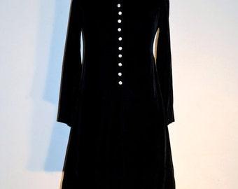 SUMMER HEAT SALE 1960s Holiday Dress ~ 60s Cocktail Dress ~ Black Velvet