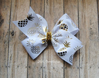 Pineapple classic bow... gold and white