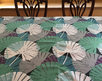 Table Cloth1580E  Round Table Cloth, Round, Table Linen, Kitchen and Dining, Large Floral, Table Cloths
