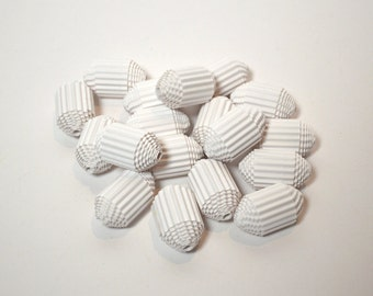 18 big Paper Beads made of corrugated cardboard