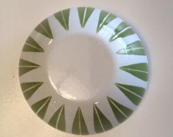 Catherine Holm Lotus Bowl Green and White/ CatherineHolm/ Avocado/Mid Century Enamelware/ By Gatormom13