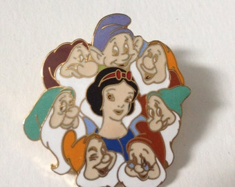 SNOW WHITE & The Seven Dwarves in an Authentic Large Disney Pin! Beautiful!