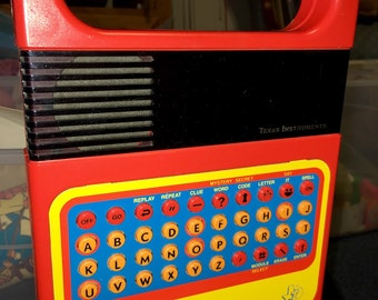 Vintage 1970's Texas Instruments Speak & Spell electronic learning toy RAD