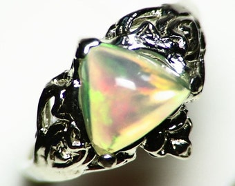 Opal Ring Size 7 (1.87 ct) 925 Sterling Silver! Rainbow Ethiopian Welo Opal Trillion Cabochon, Solitaire Ring Silver, Crystal Opal Cab,