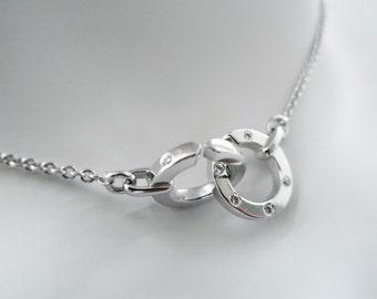 Circle Pendant with Diamond in 18K White Gold
