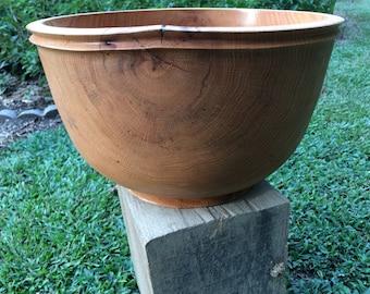 Red oak bowl with rim details