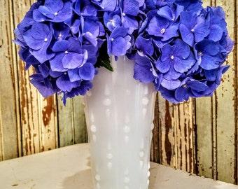 Vintage White Milk Glass Vase/Flower Vase/Shabby Vase/Cottage Chic