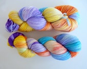 "Hand dyed merino yarn - Light Fingering 3 ply superwash 19 micron merino yarn, Boniqueta base - Colourway ""Andrómeda"""