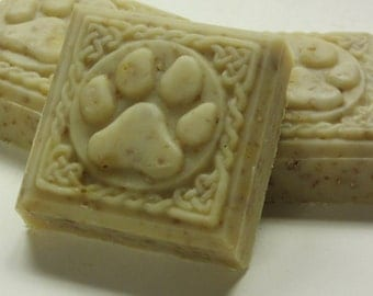 goats milk oats & honey cold processed lye soap paw print