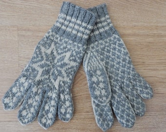 Hand Knit Norwegian 100% Wool Gray Gloves Vintage UnWorn Norway