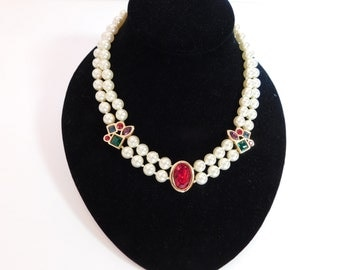 CLASSIC BEAUTY - Faceted Glass, Knotted Faux Pearls, Beautiful Clasp - Exquisite Necklace