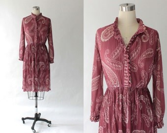 Vintage Hal Ferman Shirt Waist Dress // 1980s Long Sleeve Knee Length Paisley Dress // Small
