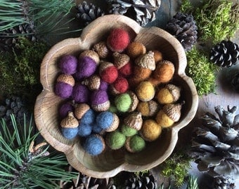 Felted wool acorns, Earth Tones Rainbow, set of 50, rainbow felt acorns, rainbow color sorting, waldorf school toy, bulk wool acorns