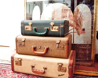 Vintage Suitcase Stack / 3 Suitcases