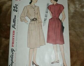 Vintage Simplicity 1940s Sewing Pattern 1709, Size 16, Bust 34, 1945 Dress, Pattern complete, Uncut, Factory Folds