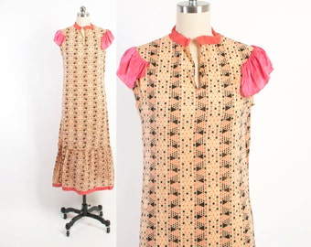 Vintage 20s Cotton DRESS / 1920s Geometric Print Cotton Day Dress with Hot Pink Ruffles XS