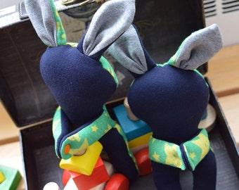 Bunny drape holders (a pair)