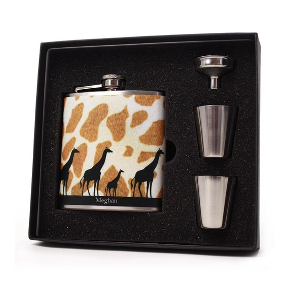 Personalized flask for women // Giraffe design // Gift Boxed