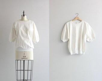 Vintage 1980s Short Sleeve Sweatshirt . American Indian Print White Sweatshirt