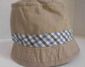 Cotton Bucket HAT, beige with blue and white checked accent