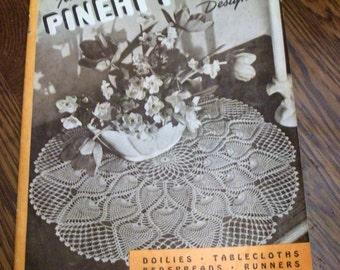 1946 Crcchet Book Booklet 14 New Pineapple Designs Doilies Tablecloths