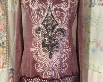 MED/LARGE, Top Boho Hippie Extra Long T-Shirt Shabby Chic Sparkle Top with Crotched Lace