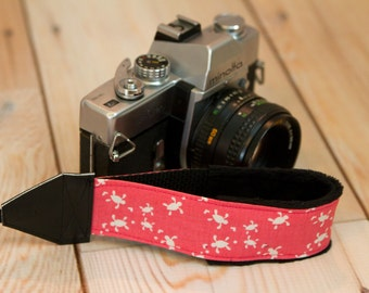 Camera Wrist Strap - dslr Camera Strap - Photographer Gift - Padded Camera Strap - Canon - Nikon Strap - Tiny Pink Turtle - READY TO SHIP