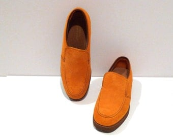 Hush Puppies Shoes Size 9 Womens Vintage Gold Suede Leather Slip Ons Mustard Yellow Oxford Flats Rockabilly Hipster Grunge Geekery 1990s