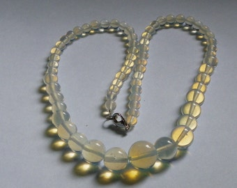 Clear Beaded Necklace   880