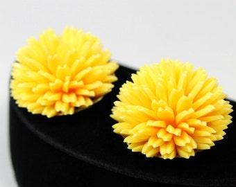 Fun Yellow Flower Earrings - Soft Plastic, 1950s or 1960s