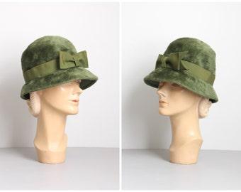ladies 60s olive green cloche hat - Italian felt fur hat / Montaldo's - loden green hat / pea green Fall hat - 60s bow cloche