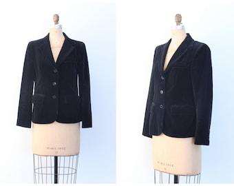 vintage 1970s black velvet blazer - 80s ladies jacket / Chaus - jet black velvet jacket / 70s velvet blazer