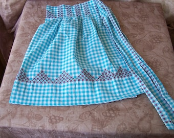 Vintage hand-made blue gingham and embroidered apron.   C5-382-1