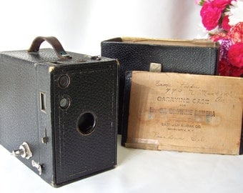 Vintage Brownie 2A Box Camera Eastman Kodak Carrying Case Camera Display Photographer ca 1907