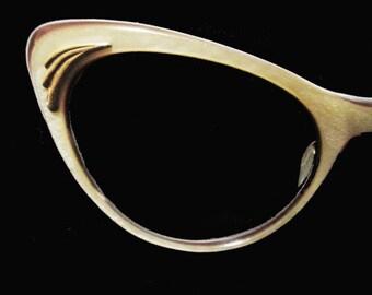 Vintage Rockabilly Cateye Glasses - 50s 2-Tone Lucite Laminate Eyeglasses - Extreme Cateyes