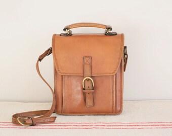 Vintage tan leather Hidesign messenger satchel bag