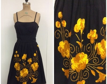 SALE 1950s Embroidered Sundress 50s Floral Dress