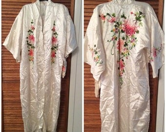 Vintage Golden Bee Embroidered Asian Silk Robe NWT NOS