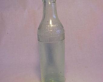1924 Country Club Soda Co. Springfield, Mass., Aqua 7 1/2 Ounce Soda Bottle
