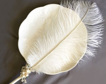 Ostrich Feather Pen Rhinestone Pearl Brooch White Feather Pen Wedding Signing Pen Guest Book Pen Wedding Reception Accessory PE001LX