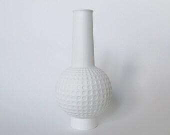 "RESERVED Vintage White Bisque  Op Art ""Golf"" Vase - Kaiser 70s"