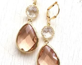 Champagne Peach and Clear Crystal Dangle Earrings.  Wedding Bridesmaid Earrings. Bridesmaid Gift. Wedding Jewelry. Bridal Earrings. Gift.