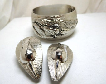Vintage Whiting & Davis Bracelet/Earrings Silver flowers clamper Glamour Stylish