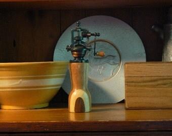 Mechanical pepper mill - pepper grinder – Housewarming - Kitchen - Wedding - Foodie -  Chef – PG430