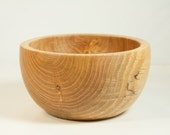 Decorative bowl turned from an oak log