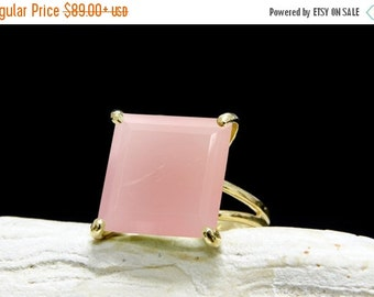 SUMMER SALE - Gold ring,pink ring,gemstone ring,square stone ring,pink chalcedony ring,semiprecious ring,natural stone ring