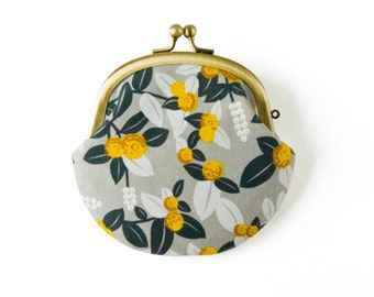 Metal frame coin purse // Billy Button