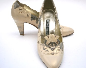 Vintage Satin Cream Ladies Shoes Pumps Andrea Pfister Womens Size 5 High Heels Designer Genuine Snakeskin All Leather Bell Flower Applique