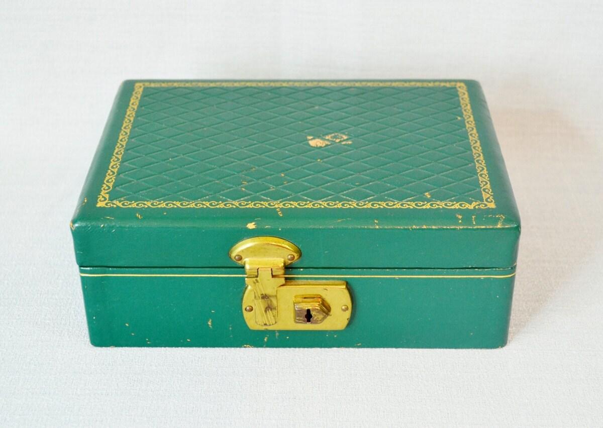 Small green vintage jewelry box locking with key gold trim for Jewelry box with key